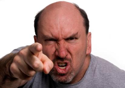 Miért válnak egyesek agresszívvá, konfrontatívvá az alkoholtól?