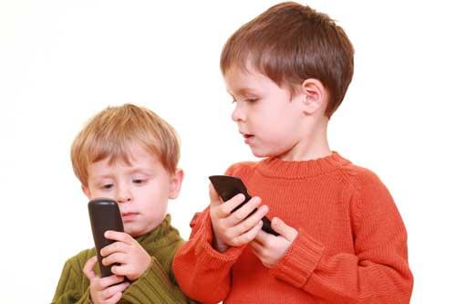 Kommunikációs érdekesség: Nem figyelnek beszédükre a kisgyermekek